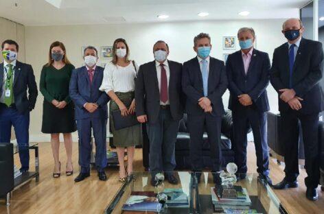 Ministro da Saúde garante que Mato Grosso receberá medicamentos para UTIs